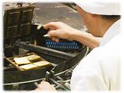 白毛米を使った手焼き最中種